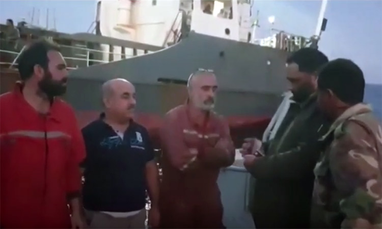 Λιβύη: Οι δυνάμεις του Χάφταρ κατέλαβαν πλοίο με πλήρωμα Τούρκους ναυτικούς