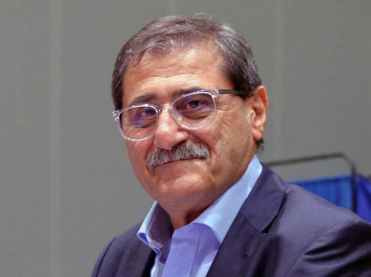 Ο δήμαρχος Πάτρας τιμά το αυτοδιοικητικό αξίωμά του