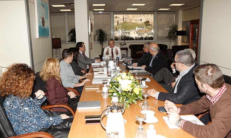 Με εκπροσώπους του ΟΛΠ συναντήθηκε ο περιφερειάρχης Γ. Πατούλης