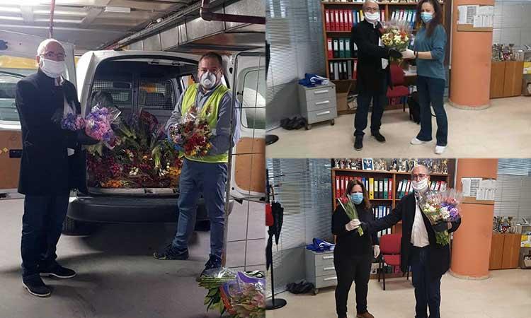 Ένα μπουκέτο ανοιξιάτικα λουλούδια χάρισε ο Ν. Μπάμπαλος στις εργαζόμενες του Δήμου