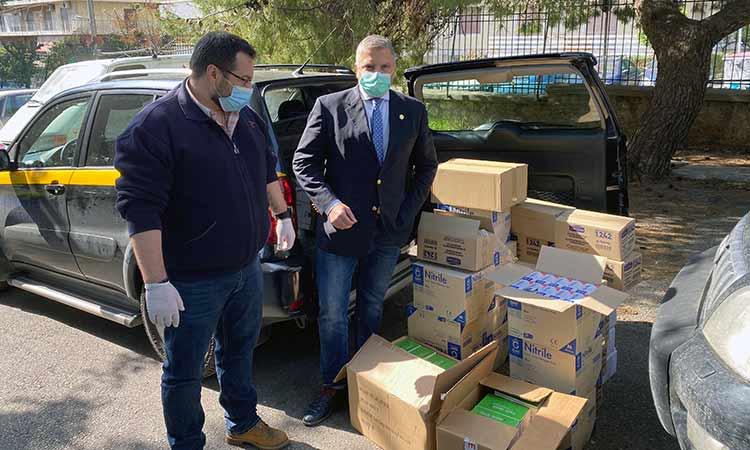 Τρόφιμα και υγειονομικό υλικό παρέδωσε στο Γηροκομείο Αθηνών η Περιφέρεια Αττικής