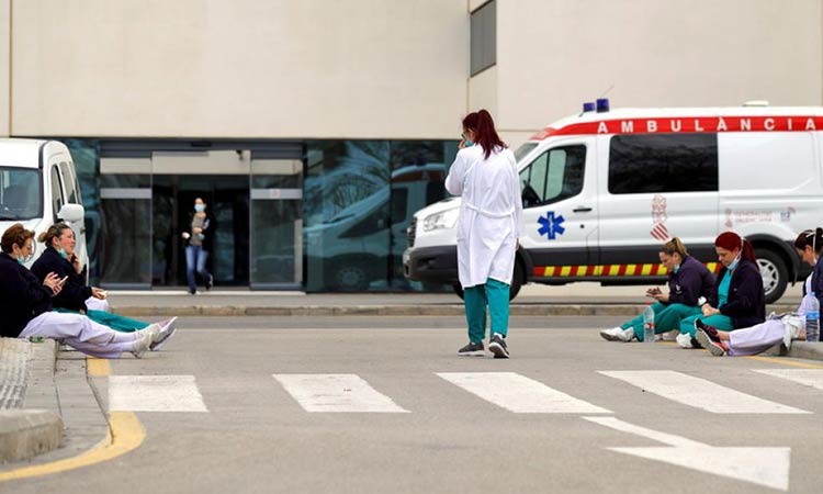 655 θάνατοι σε 24 ώρες στην Ισπανία από τον «Covid-19» – Πάνω από 4.000 οι νεκροί
