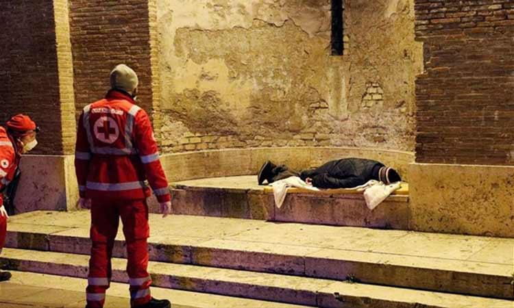 Ο λοιμός φέρνει λιμό στους αστέγους της Ευρώπης