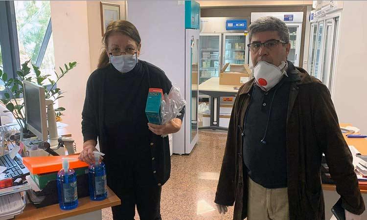 Υγειονομικό υλικό ατομικής προστασίας από Δήμο Αμαρουσίου στο προσωπικό του φαρμακείου του ΕΟΠΥΥ