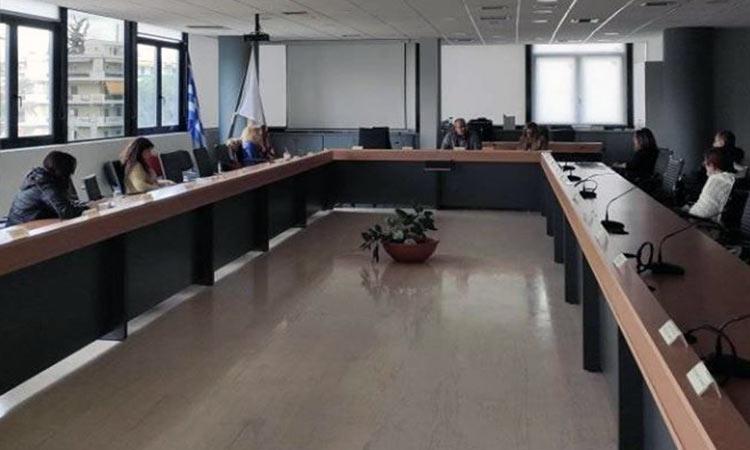 Διά ζώσης, αλλά εκ του… μακρόθεν η σύσκεψη του Ν. Μπάμπαλου με τους δ/ντές των υπηρεσιών του Δήμου Ηρακλείου
