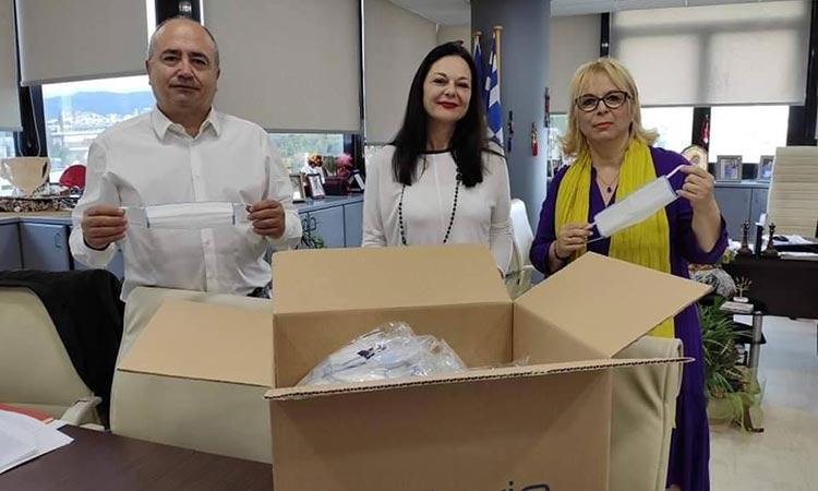 Προσφορά 600 μασκών από φαρμακευτική εταιρεία στον Δήμο Ηρακλείου Αττικής