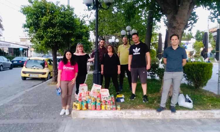 Εθελοντική δράση για τα αδέσποτα Πεύκης και Λυκόβρυσης από την παράταξη «Δήμος Μπροστά+»