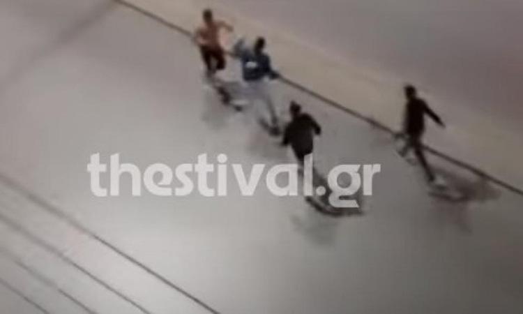 Θεσσαλονίκη: Άγριος ξυλοδαρμός 40χρονου – Βίντεο ντοκουμέντο