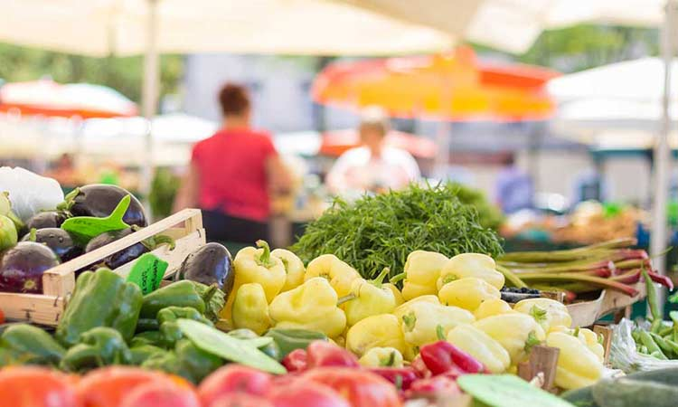 Στις οδούς Πίνδου και Ελλησπόντου η λαϊκή αγορά Κοινότητας Παπάγου