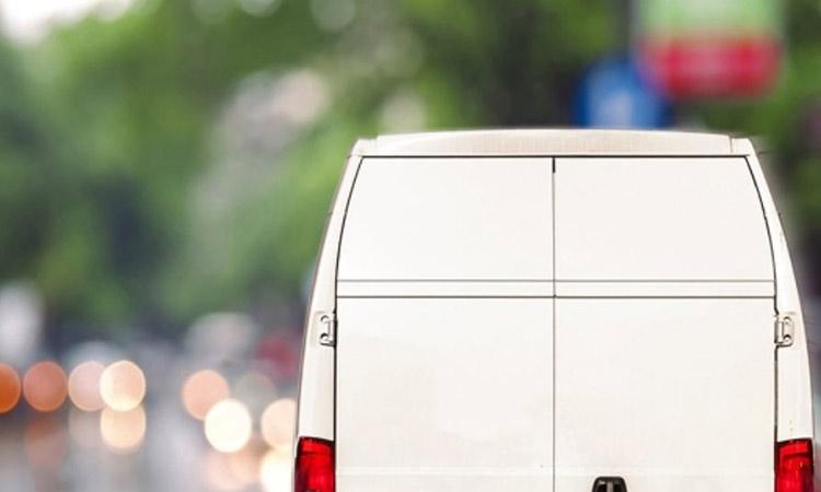 Προσοχή: Άγνωστοι σε λευκό φορτηγάκι προσποιούνται ότι διαθέτουν φρούτα εκ μέρους του Δήμου Βριλησσίων