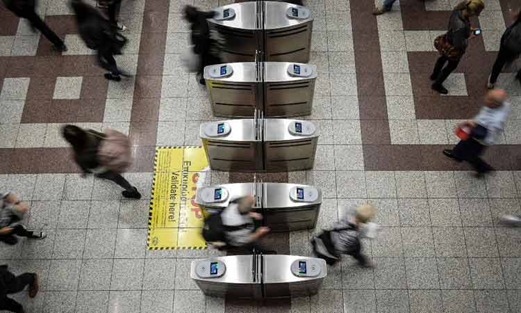 Προς μείωση η τιμή των εισιτηρίων στα ΜΜΜ – Τι προανήγγειλε ο K. Καραμανλής