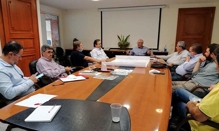Συνάντηση Θ. Αμπατζόγλου με τον τοπικό σύλλογο για τα ζητήματα που απασχολούν τα Ηπειρώτικα στο Μαρούσι