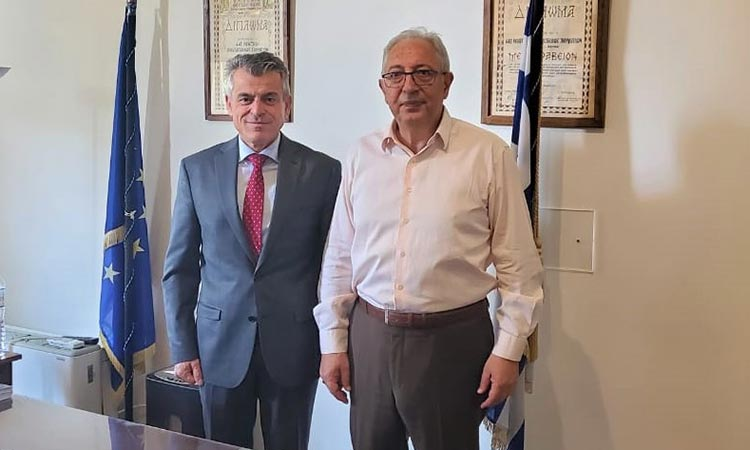 Επίσκεψη δημάρχου Αμαρουσίου στο Γενικό Νοσοκομείο Αττικής ΚΑΤ