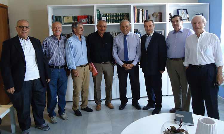 Συνάντηση της Ένωσης Δημάρχων Αττικής με τον γ.γ. Αυτοδιοίκησης της Ν.Δ. Διονύση Χατζηδάκη
