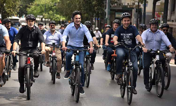 Ποδηλατάδα ΚΕΔΕ και Δήμου Αθηναίων στο κέντρο της πρωτεύουσας (βίντεο)