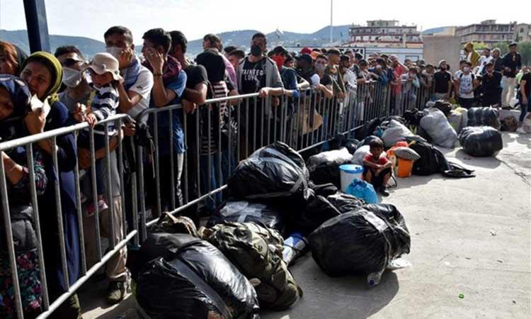 Λέσβος: Αποχωρούν κατά κύματα αλλοδαποί πρόσφυγες