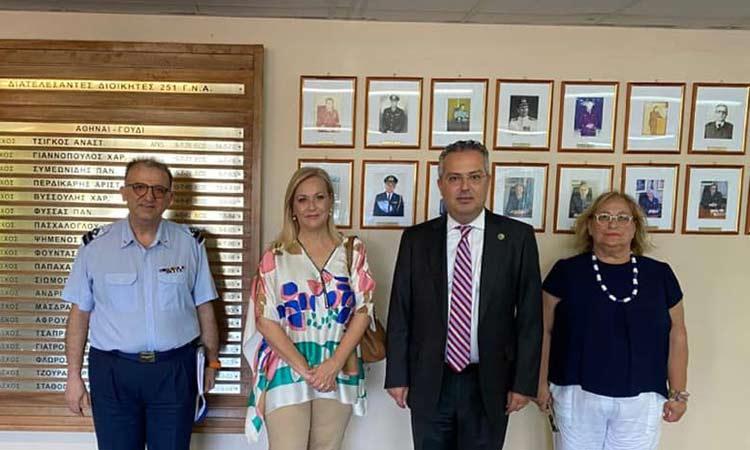 Επίσκεψη Η. Αποστολόπουλου στο 251 Γενικό Νοσοκομείου Αεροπορίας