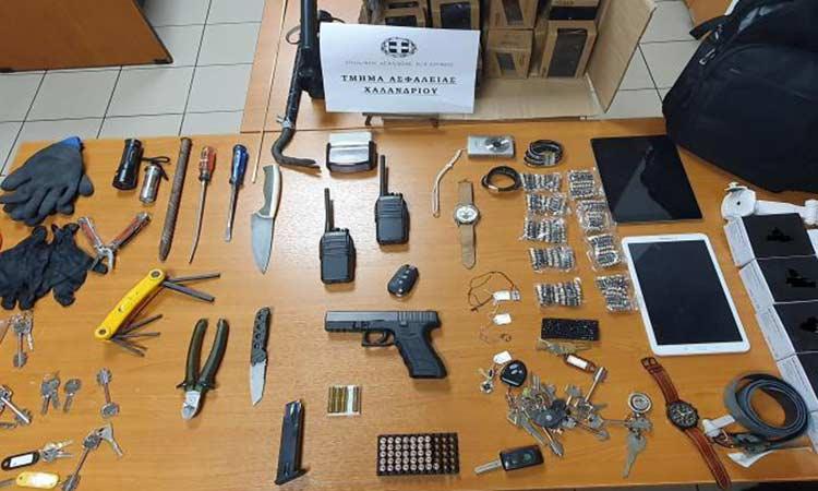 Δύο συλλήψεις από το Τ.Α. Χαλανδρίου για κλοπές από γραφεία εταιρειών και επιχειρήσεων και εκβιασμό