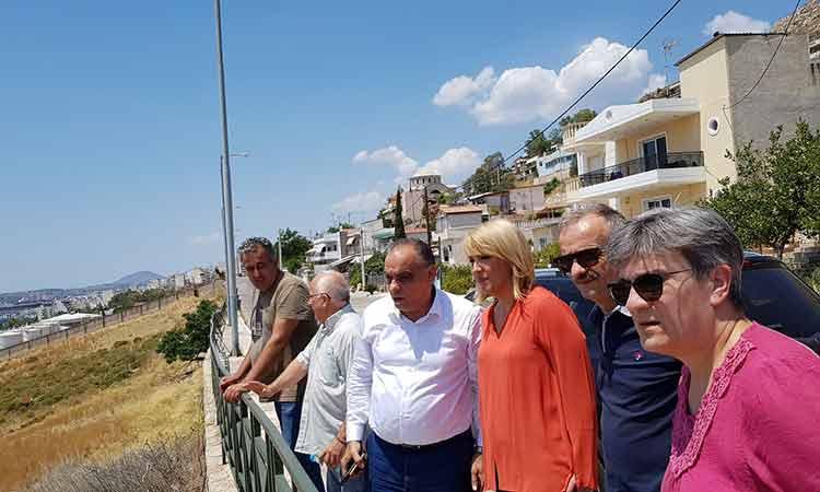 Επίσκεψη Ρ. Δούρου στον Δήμο Περάματος και συνάντηση με τον δήμαρχο Γ. Λαγουδάκη