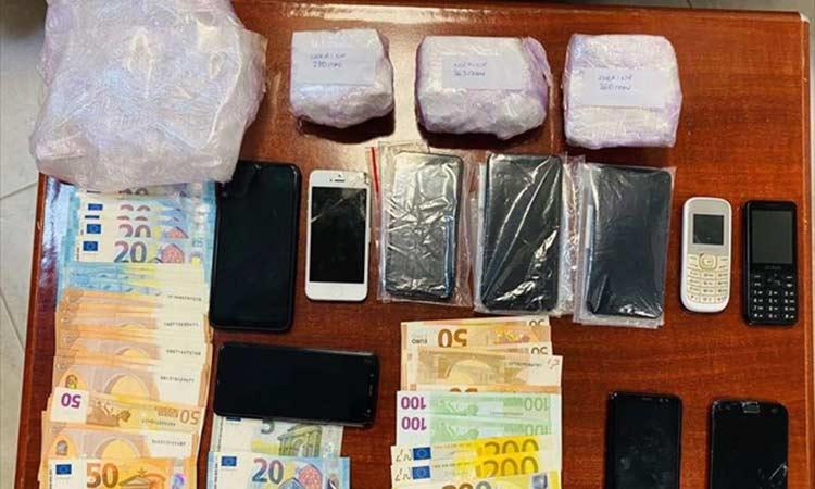 Μύκονος: Τέλος δράσης για κύκλωμα διακίνησης κοκαΐνης – Πέντε συλλήψεις