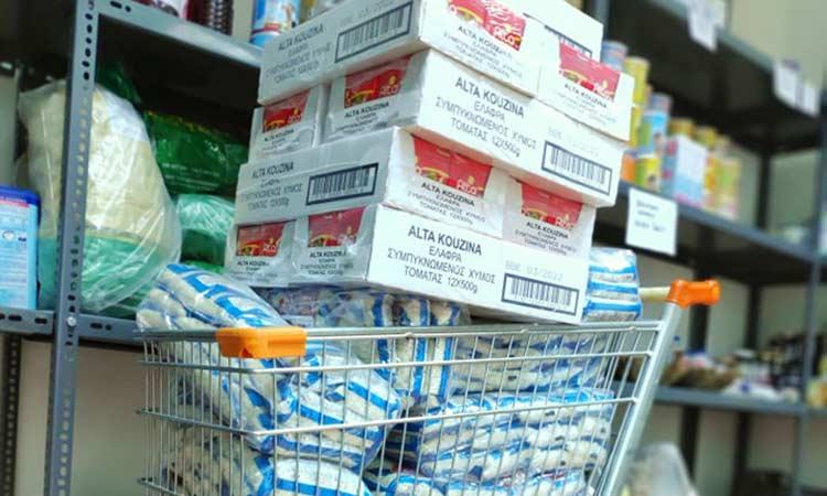 Δωρεά τροφίμων από τους «Φίλους της Θένιας» στο Κοινωνικό Παντοπωλείο Λυκόβρυσης – Πεύκης