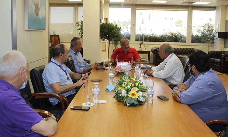 Συνάντηση περιφερειάρχη Αττικής με αντιπροσωπεία της Πανελλήνιας Ομοσπονδίας Πρατηριούχων Εμπόρων Καυσίμων