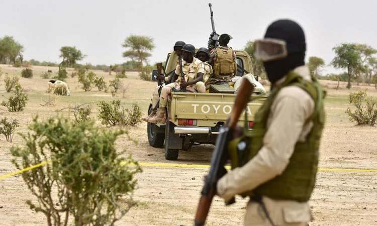 Νίγηρας: Ένοπλοι σκότωσαν έξι Γάλλους τουρίστες, τον οδηγό και τον ξεναγό τους