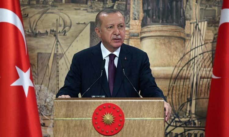 Ερντογάν: Ενισχύουμε το Ναυτικό μας για να προστατεύσουμε τη «Γαλάζια Πατρίδα»