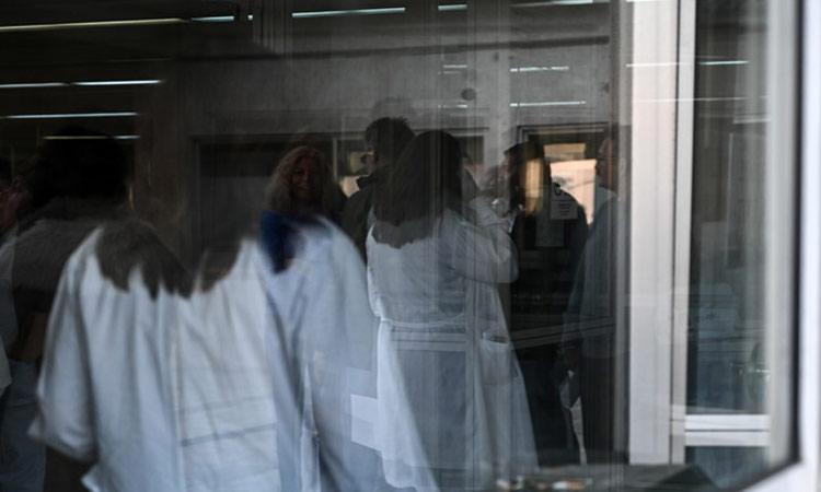 Μεγαλώνει η λίστα των θανάτων από κορωνοϊό – Έβδομος νεκρός σε λίγες ώρες στη χώρα μας
