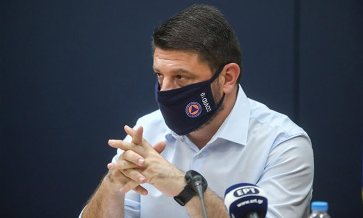 Ν. Χαρδαλιάς: Έξι νέα μέτρα στην Αττική – Υποχρεωτική η μάσκα σε χώρους εργασίας, πλατείες, ουρές