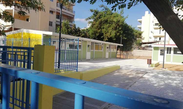 Νέα Αρχή για την Αγ. Παρασκευή: Πώς ο δήμαρχος… πετά για αίθουσες-containers 550.000 ευρώ