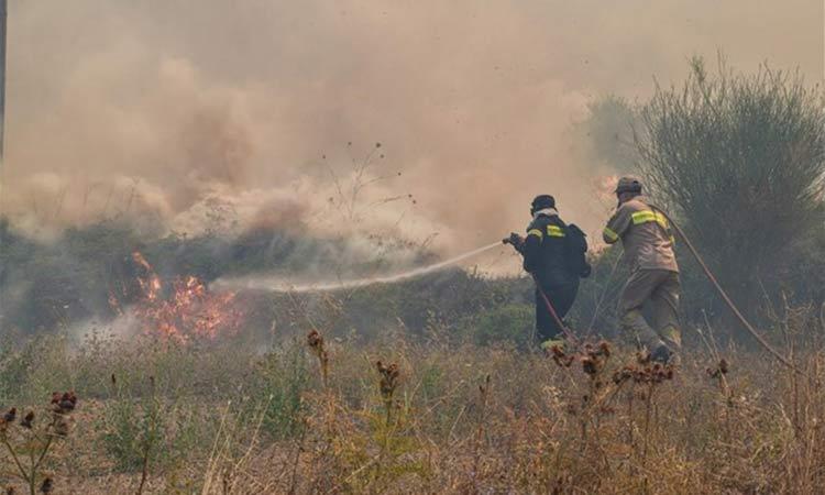 Μπαράζ πυρκαγιών σε ολόκληρη τη χώρα