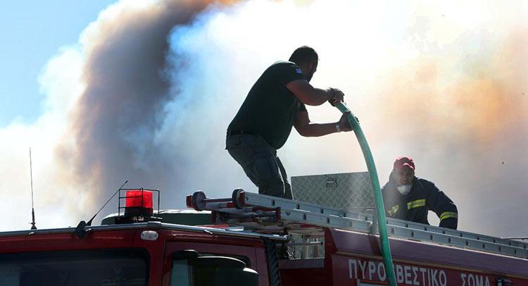 Πολύ υψηλός ο κίνδυνος πυρκαγιάς το Σάββατο – Ποιες περιφέρειες βρίσκονται στο «κόκκινο»