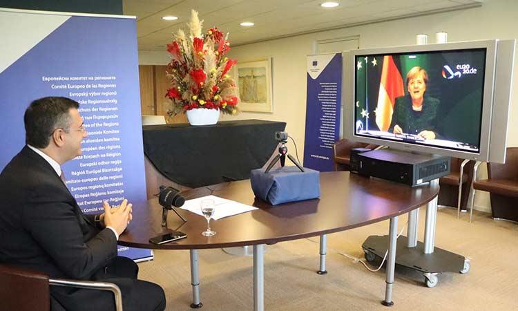 Συνάντηση του Απ. Τζιτζικώστα με τη Γερμανίδα καγκελάριο Angela Merkel