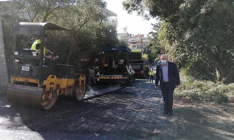 Θ. Αμπατζόγλου: Προχωρούν ταχύτατα τα έργα ασφαλτοστρώσεων και υποδομών στο Μαρούσι