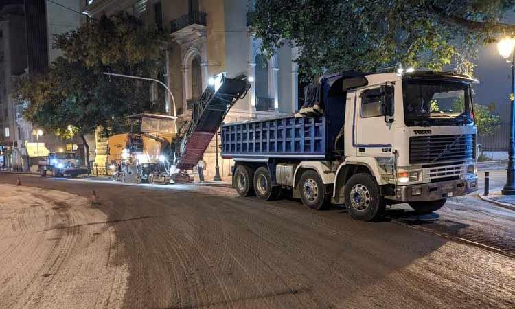Ολοκληρώθηκαν οι εργασίες ασφαλτοστρώσεων σε κεντρικούς δρόμους του Δήμου Αθηναίων από την Περιφέρεια Αττικής