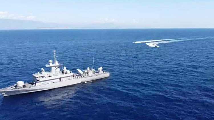 Σε επαγρύπνηση οι ελληνικές δυνάμεις: Τα πολεμικά πλοία «ασπίδα» στο Καστελόριζο