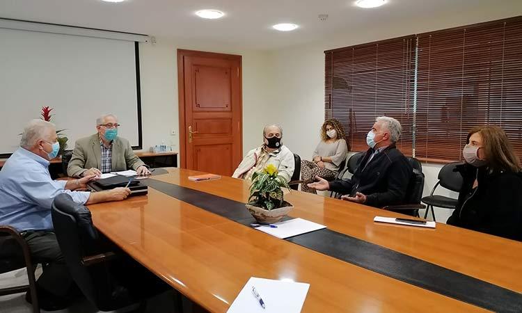 Συνάντηση εργασίας για δημιουργία πρότυπου χώρου πρασίνου 15 στρεμμάτων στο Μαρούσι είχε ο Θ. Αμπατζόγλου