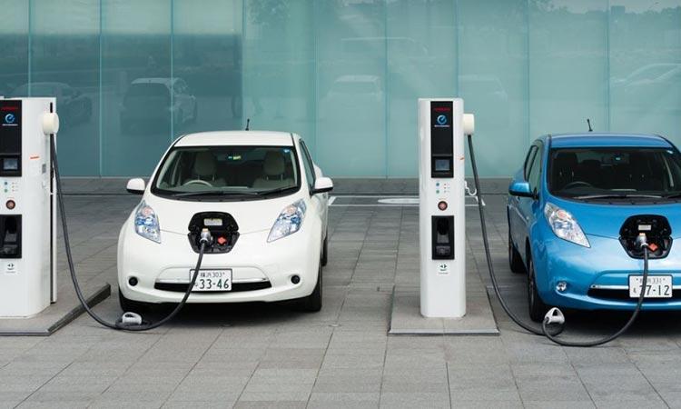Δ. Παπαστεργίου: Τώρα είναι η ευκαιρία για την ηλεκτροκίνηση ιδιωτικών και δημόσιας χρήσης οχημάτων