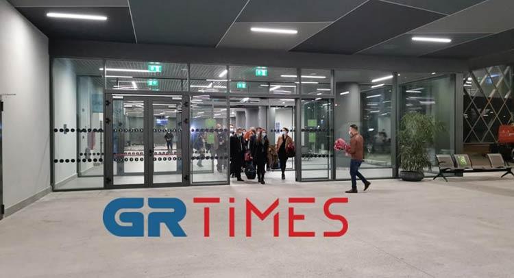 Θεσσαλονίκη: Υποδοχή με… τριαντάφυλλα στις 10 νοσηλεύτριες από την Κρήτη
