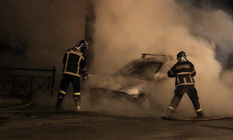 Φωτιά σε αυτοκίνητο το απόγευμα των Χριστουγέννων στο Ηράκλειο