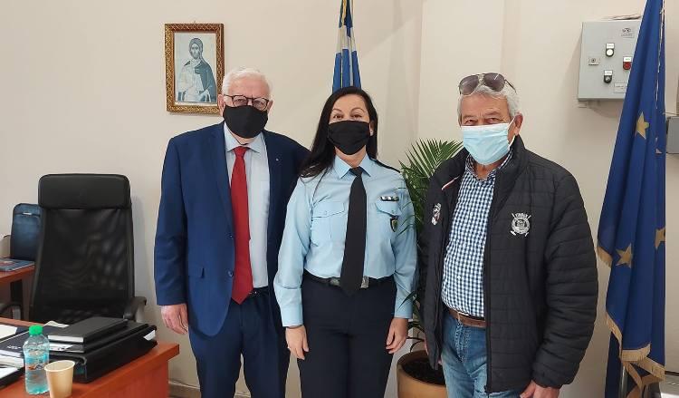 Εθιμοτυπική επίσκεψη του αντιδημάρχου Π. Ιωάννου στην πρώην διοικητή Α.Τ. Λυκόβρυσης-Πεύκης
