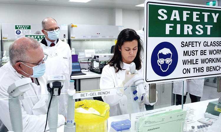 Η AstraZeneca θα παραδώσει πολύ λιγότερες δόσεις εμβολίων στην Ε.Ε. από τις συμφωνηθείσες
