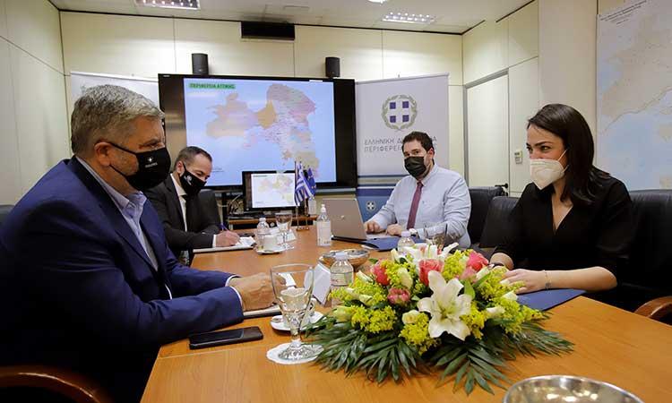Προγράμματα και δράσεις για την ανακούφιση των πολιτών συζήτησαν Δ. Μιχαηλίδου και Γ. Πατούλης