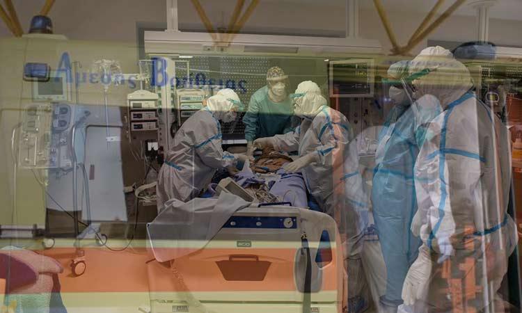 Κορωνοϊός: Στο «κόκκινο» τα νοσοκομεία της Αττικής – Σε πληρότητα οι ΜΕΘ