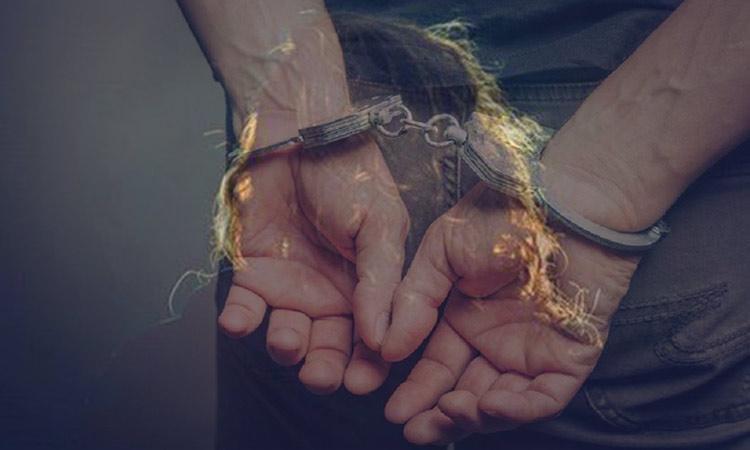 Χειροπέδες σε 83χρονο που βίαζε επί χρόνια την εγγονή του στα Βόρεια Προάστια