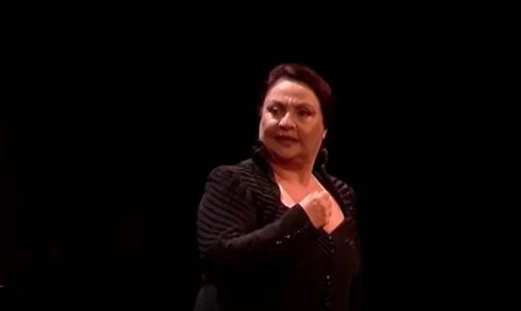 H θεατρική παράσταση «Με τη Σιωπή» από τον Δήμο Αμαρουσίου στις 20:00