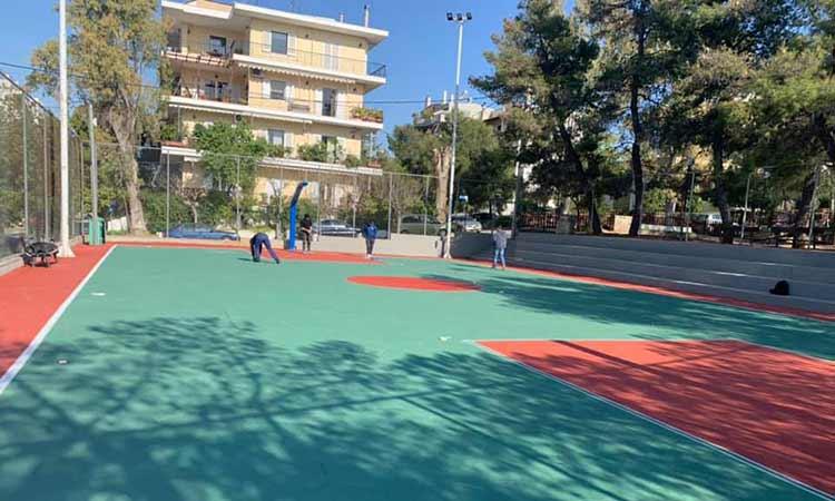 Εργασίες ανακατασκευής ανοιχτού γηπέδου καλαθοσφαίρισης στην Πεύκη