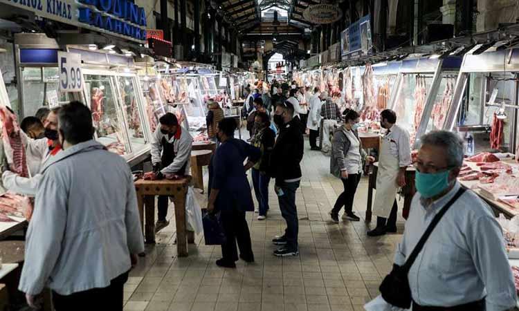 Πάσχα: Σπεύδουν για την αγορά του οβελία – Πού κυμαίνονται οι τιμές