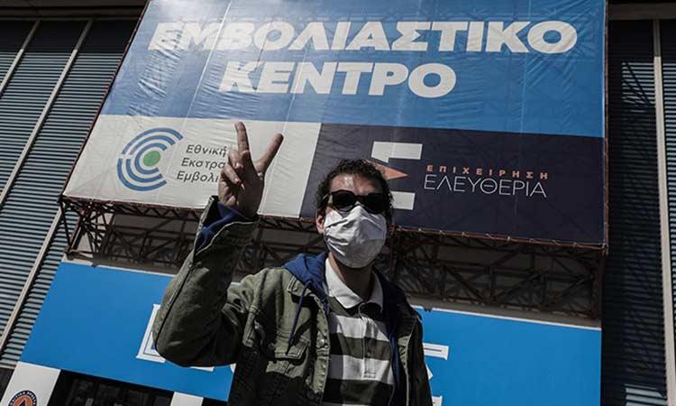 «Rai»: «Στα εμβολιαστικά κέντρα δεν χάνουν ούτε λεπτό – Η Ελλάδα θέλει να ξαναρχίσει να τρέχει»